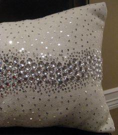 hamptontoes: Sivaana pillows