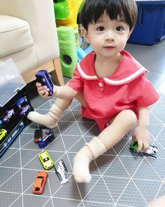 Angel kawaii Bebe Mamang 可愛い ღ Lee Ro Woon Cute Asian Babies, Korean Babies, Asian Kids, Cute Baby Boy, Cute Kids, Baby Kids, Cute Babies Photography, Ulzzang Boy, Baby Pictures
