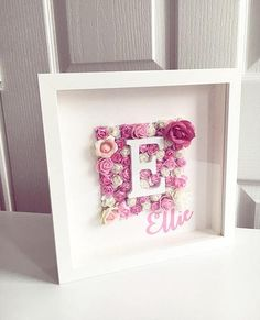 A personalized floral pattern is the ideal setting for a gift or to . - A personalized floral pattern is the ideal setting for a gift or to decorate a room A pe - Box Frame Art, Shadow Box Frames, Shadow Box Art, Flower Letters, Flower Frame, Flower Shadow Box, Baby Frame, Design Floral, Diy Décoration
