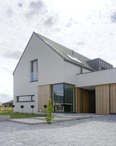 Le plus récent Pic Style Architectural classic Stratégies Modern Architects, Facade House, House Facades, House Entrance, Facade Architecture, Modern Buildings, Classic House, Diy Garden Decor, Simple House