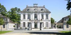 #Schloss / #Castle Falkenlust in Brühl, #Germany ©Horst Gummersbach