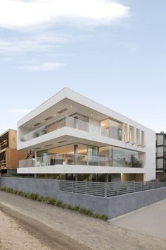 Modern Architecture Artists daniels-lane-house-blaze-makoid-1 | sea level, southampton and