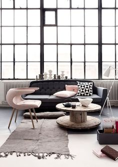 Buro Binnenkans: Living with pink, black & white