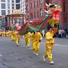 Chinese Dragon | kmhouseindia: Chinese Dragon Dance