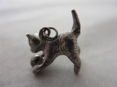 VINTAGE ENGLISH CHARM c1960 STERLING SILVER PUSSY CAT KITTEN PLAYING WITH BALL