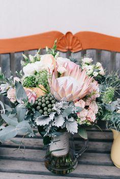 Oy Photography   Floral Design: Flower Bird