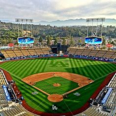 Dodgers opening day against the sf giants. Go dodgers! Baseball Park, Baseball League, Baseball Field, Dodgers Win, Dodgers Nation, Ucla Bruins Football, Dodgers Baseball, Mlb