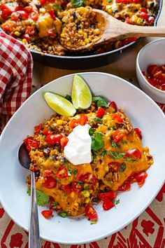 Mexican Beef and Bean Skillet Rice Corn Bean Salsa, Cooking With Ground Beef, Beef And Rice, Canned Black Beans, One Pan Meals, Enchilada Sauce, Skillet, Fall Recipes, Food And Drink