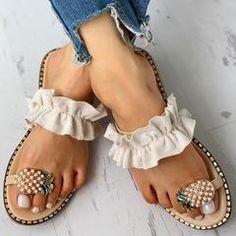 Ankle Strap Platform Line-Style Buckle Open Toe Platform Leopard Sand – lokeeda Cute Sandals, Slide Sandals, Leopard Sandals, Flat Sandals, Pretty Shoes, Cute Shoes, Rainbow Braids, Bohemian Sandals, Bohemian Chic Fashion