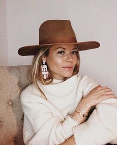 Lack of Color Hats( 「The Teak Rancher - A must have! Look Boho Chic, Looks Chic, Outfits With Hats, Fall Outfits, Cute Outfits, Look Fashion, Fashion Outfits, Womens Fashion, Estilo Glamour