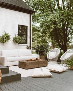 Outdoor Sofa, Outdoor Spaces, Outdoor Living, Outdoor Furniture Sets, Outdoor Decor, Outdoor Ideas, Exterior Design, Interior And Exterior, Balcony Design