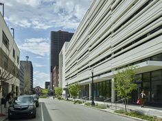 Six-story structure combines a parking garage with street-level retail Kent County, Story Structure, Condominium, Ground Floor, Street View, Retail, Architecture, City, Arquitetura