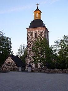 Tammelan kirkko lännestä nähtynä.