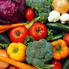 Un truco para conservar las vitaminas de las frutas o verduras es cortarlas después de lavar con agua fria, no antes. No hay que dejarlas a remojo sobre todo si están cortadas.