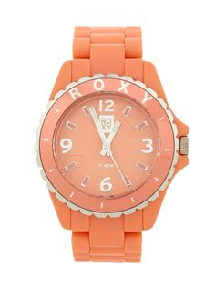 I like this color  big watches seem to be in right now