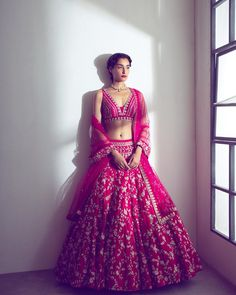 Our Favourite Lehenga Looks These Season:- AwesomeLifestyleFashion Indian Bridal Outfits, Indian Bridal Fashion, Indian Designer Outfits, Indian Dresses, Bridal Dresses, Lehenga Choli Designs, Designer Bridal Lehenga, Indian Lehenga, Manish Malhotra Lehenga