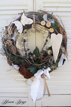:::: Türkranz Frühlingsmusik :::: von :::::::: Blumerei Berger :::::::: auf DaWanda.com Christmas Advent Wreath, Christmas Decorations, Easter Projects, Projects To Try, Easter Wreaths, Tree Toppers, Summer Wreath, Grapevine Wreath, Diy And Crafts