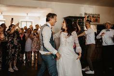 Julia & Rene Trauung in der Kirchenruine — Stefanie Fiegl   photography & arts Pronovias, Lace Wedding, Wedding Dresses, Kirchen, Fashion, Boho Dress, Wedding Dress Lace, Newborns, Dress Wedding
