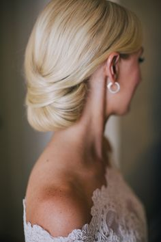 Bride Chignon | photography by http://www.kellystonelake.com/