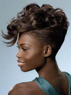 mohawk + curls Short Hair Mohawk, Mohawk Hairstyles, Short Hair Cuts, Mohawk Updo, Wedding Hairstyles, Braided Hairstyle, Hairstyle Short, Braided Ponytail, Medium Hairstyles