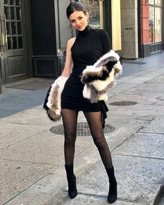 Celebs in Pantyhose - Nylons - Stockings — Victoria Justice in black pantyhose Victoria Justice, Vicky Justice, Pantyhosed Legs, Style Feminin, Botas Sexy, Nylons And Pantyhose, Pantyhose Fashion, Pantyhose Outfits, Black Tights