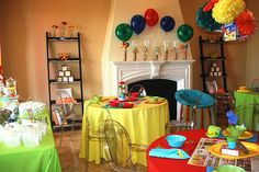 Breakfast Meet and Eat Baby Shower - SUCH a great idea for baby #2, #3...