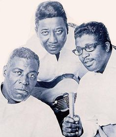Chess Records royalty: Howlin' Wolf, Muddy Waters and Bo Diddley. Some of the core riffs created by them and others were the basis of a wide amount of Rock n' Roll. Music Icon, Soul Music, Music Is Life, Smooth Jazz, Blues Artists, Music Artists, Chuck Berry Songs, Chess Records, The Ventures