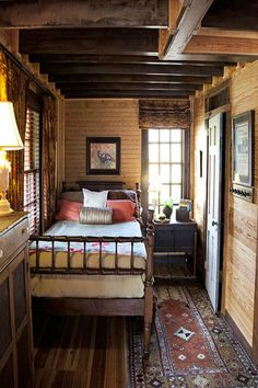 Comfy Wooden Cabin Bedroom Design Ideas Comfy Wooden Cabin Bedroom Design Ideas Cozy Small Bedroom Tips 12 Ideas To Bring Comforts Into Your Small Cozy Small Bedrooms, Cozy Bedroom, Bedroom Decor, Bedroom Rustic, Farm Bedroom, Bedroom Ideas, Bedroom Designs, Log Cabin Bedrooms, Night Bedroom