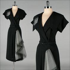 Vintage Dress Black Rayon Tulle Swag by millstreetvintage, inspiration for sewalong Vintage Outfits, Robes Vintage, Vintage Wardrobe, Vintage Dresses, Vintage Clothing, Moda Vintage, Vintage Mode, Vintage Fall, Vintage Black