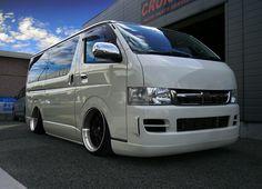 Toyota Hiace VIPstyle