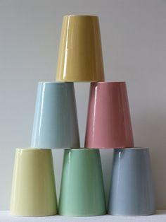 Vintage 50's Regout Maastricht set pastel melkbekers - Interieur - Alle vintage