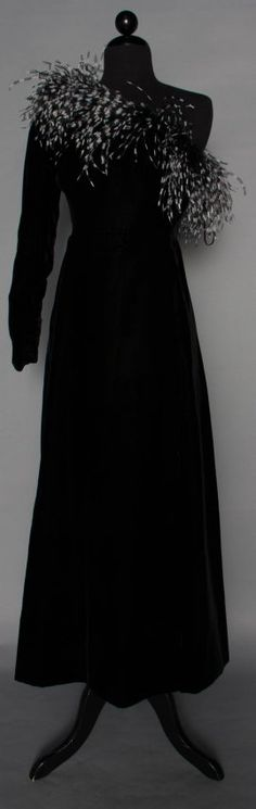 GIVENCHY COUTURE FEATHERED GOWN, 20TH C : Lot 107