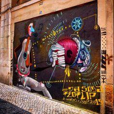 #streetart en #lisboa  Foto:#estorninos1  #streetartoficial #streetartphotography #graffitiart #art #graffiti #stencil #urbanart #streetartbcn #streetart_london #barcelonagraffiti #streetarteverywhere #spraypaint #murslliures #street_art_hunter #rsa_graffiti #dsb_graff #tv_streetart #arteurbano #artalcarrer #arteenlascalles #arteurbanobarcelona #urbangraffitisbcn #street2lab #fans_del_arte_urbano #streetartlisbon #bcndreamers #digerible by estorninos1