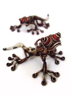 movable raisin clay sculptures by Michihiro Matsuoka.