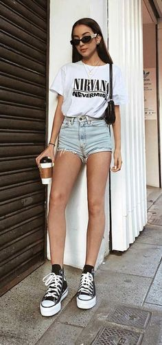 Looks Com Short Jeans, Look Con Short, Cute Outfits With Shorts, Short Outfits, Summer Outfits, All Star Outfit, Basic Style, My Style, Denim Shorts Outfit