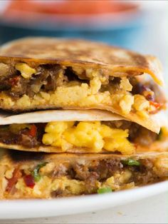 Breakfast Tortilla, Breakfast Quesadilla, Breakfast Sausage Recipes, Brunch Recipes, Bacon Breakfast, Breakfast Sausages, Mexican Breakfast, Breakfast Sandwiches, Breakfast Bowls
