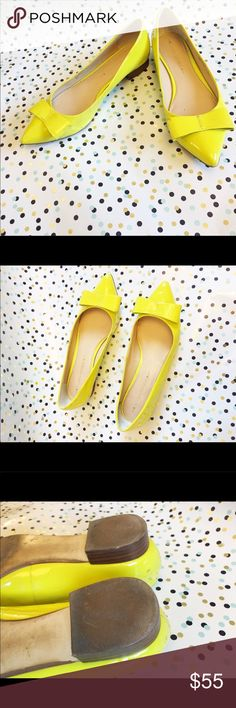 Banana Republic Yellow Pointed Bow Flats Size 8 Banana Republic Yellow Pointed Bow Flats Size 8M  Has minor signs of wear, few scuffs, other than that it's still in great conditions!  Check out my other items! Banana Republic Shoes Flats & Loafers