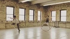 "Gefällt 14 Mal, 1 Kommentare - Le Follet (@guitargonaut) auf Instagram: ""Spinning with @g_glassman at the @milwaukeeballet . #ipraytophysics #taoistathletics #cyrwheel…"""