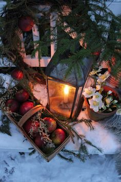You can`t use up CREATIVITY. Cottage Christmas, Christmas Past, Primitive Christmas, Country Christmas, Before Christmas, Christmas Holidays, Natural Christmas, Christmas Lanterns, Christmas Decorations