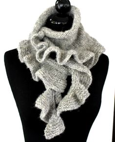 Ravelry: Dancing Waves Scarf pattern by Angela Juergens Stitch Patterns, Knitting Patterns, Scarf Patterns, Aran Weight Yarn, Circular Knitting Needles, Loom Knitting, Free Knitting, Ruffle Scarf, Knitted Shawls