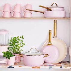 Pink Kitchen Decor, Cute Kitchen, Kitchen Items, Kitchen Gadgets, Pink Kitchen Appliances, Pink Home Decor, Stylish Kitchen, Pink Kitchens, Peach Decor