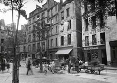 Vieilles maisons de la rue beaubourg, circa 1930. via the Verdeau Photo Collection
