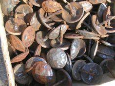 100 Iron Hammered Clavos Decorative Nail Heads Door Furniture Craft 1 inch
