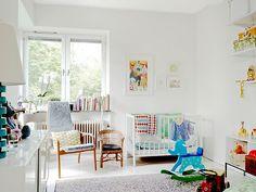 Scandinavian apartment baby room design (same room previous photo) Baby Nursery Neutral, White Nursery, Nursery Room, Neutral Nurseries, Bright Nursery, Kids Bedroom, Nursery Ideas, Nursery Decor, Apartment Nursery