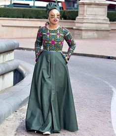 African print dresses can be styled in a plethora of ways. Ankara, Kente, & Dashiki are well known prints. See over 50 of the best African print dresses. African Wear Dresses, Latest African Fashion Dresses, African Print Fashion, African Attire, African Clothes, Africa Fashion, Afro, Kitenge, Kente Styles