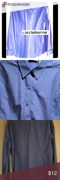 👚 LIZ CLAIBORNE BLUE BLOUSE 👚 LIZ CLAIBORNE blue cotton blouse. Slightly cinched at the waist, adorable w/ slacks for the office or w/ jeans and a chunky necklace- GREAT BUY💙💙 Liz Claiborne Tops Blouses