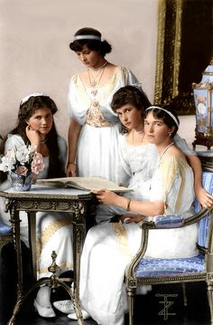 The daughters of Tsar Nicholas II > beautiful colorized photo of the Grand Duchesses