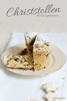 Christstollen im Glas for Advent or Christmas Christmas Treats, Christmas Baking, Christmas Foods, Stollen Cake, Different Kinds Of Cakes, Köstliche Desserts, The Fresh, Glass Jars, Sweet Recipes