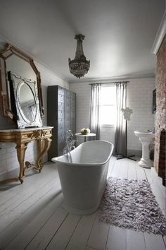 Free standing bathtub and Fireplace