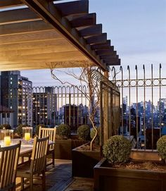 Interior Architecture by Ferguson & Shamamian / Interior Design by Mariette Himes Gomez, ASID Text by Steven M. Rooftop Dining, Rooftop Terrace Design, Rooftop Gardens, New York Penthouse, Penthouse Suite, Pergola Images, Pergola Designs, Condo Living, City Living